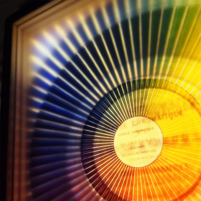 Cercle Chromatique Colorsystem - Multiple Print Depth Effect - Led Lightbox by Mini-Cinema (Detail)